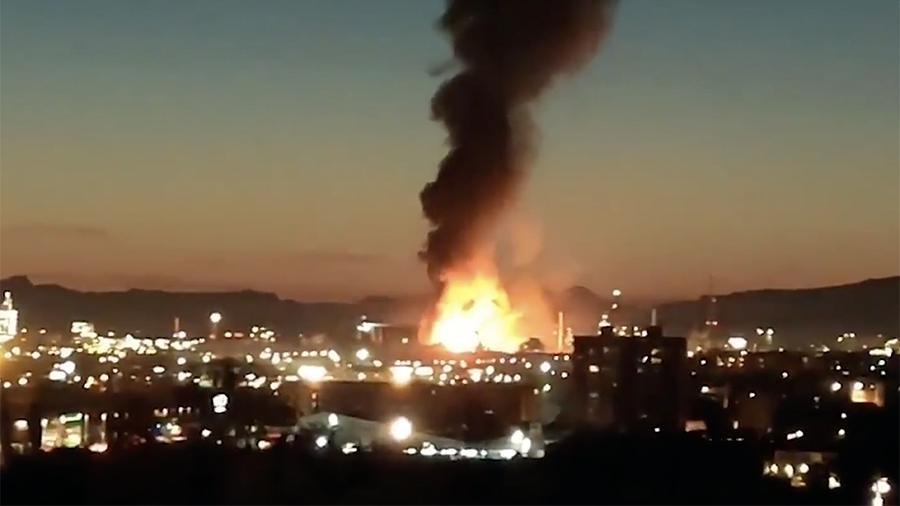 В Испании на нефтехимическом заводе прогремел взрыв