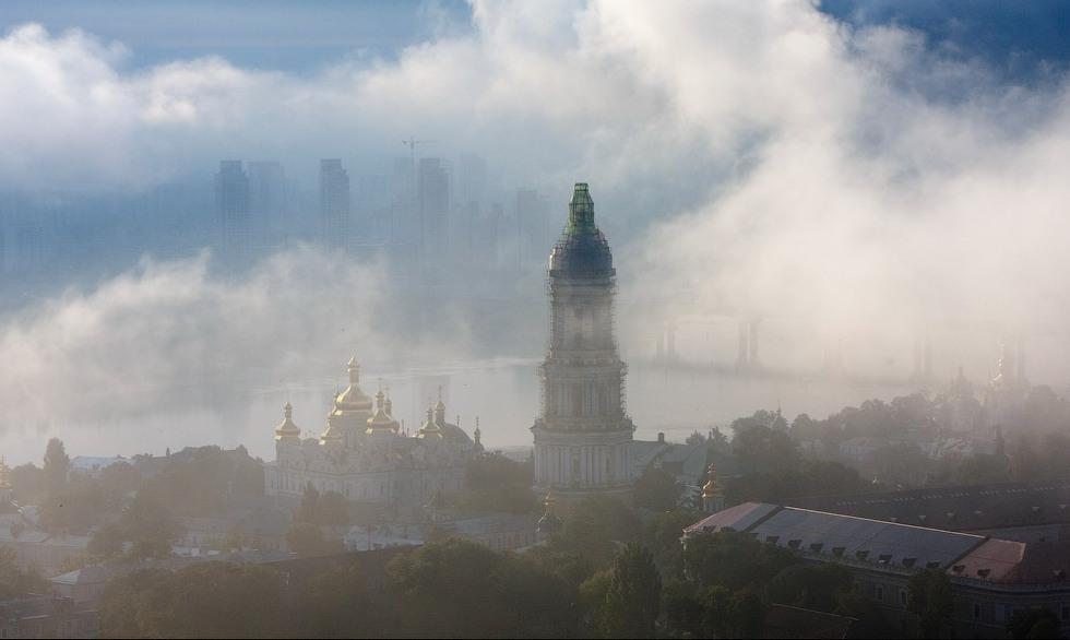 Зачиняйте вікна! У Києві у повітрі зафіксовані продукти горіння – КМДА