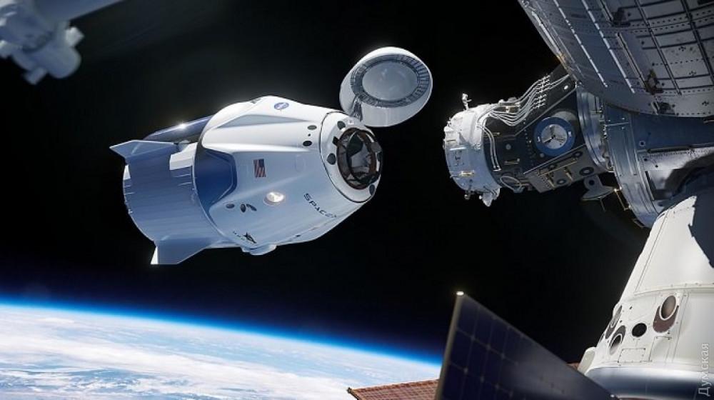 SpaceX впервые отправляет  людей в космос (ТРАНСЛЯЦИЯ)