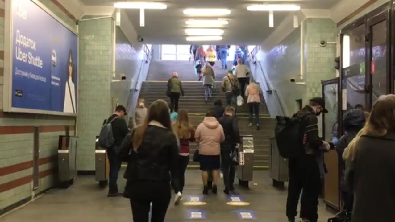 В столице вновь заработало метро (видео)