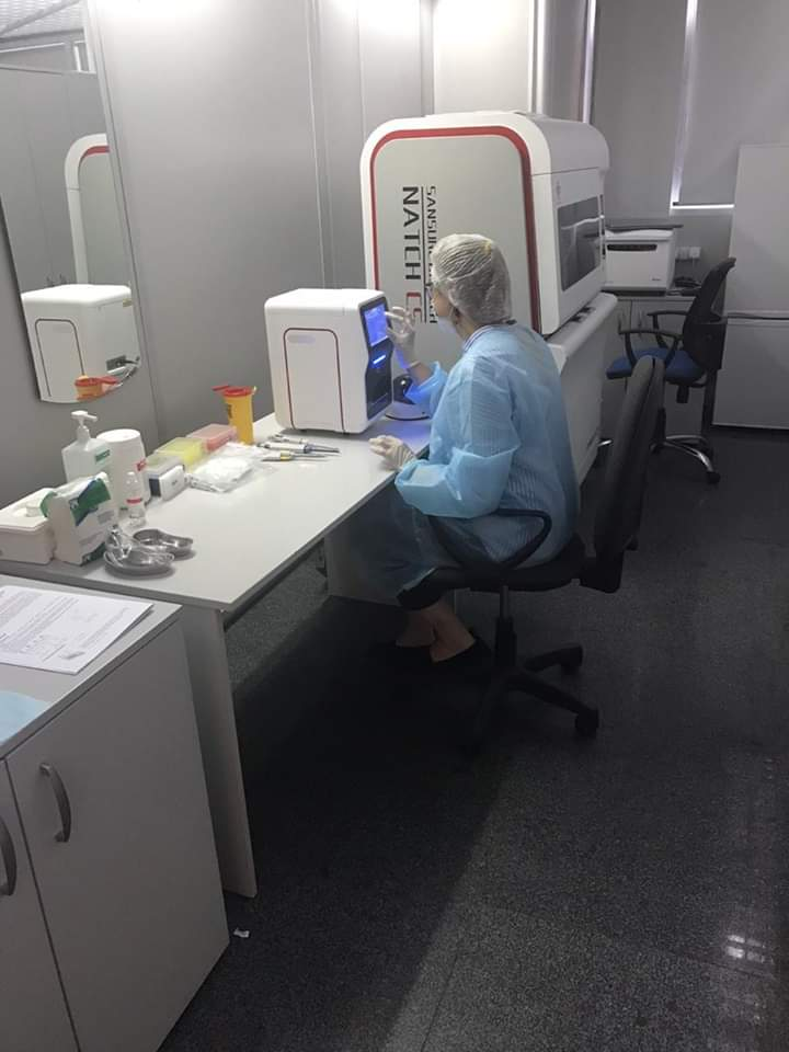 """В аэропорту """"Борисполь"""" установили лабораторию для тестирования на коронавирус"""