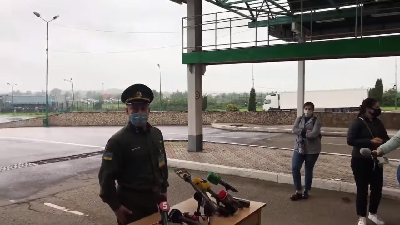 Двое украинцев перелезли через забор на границе с Польшей во время брифинга пограничников