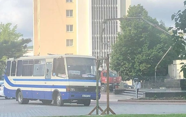 В заложниках в Луцке около 20 человек – полиция