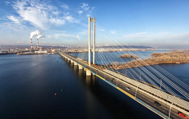 В Киеве ограничили движение по Южному мосту на две недели