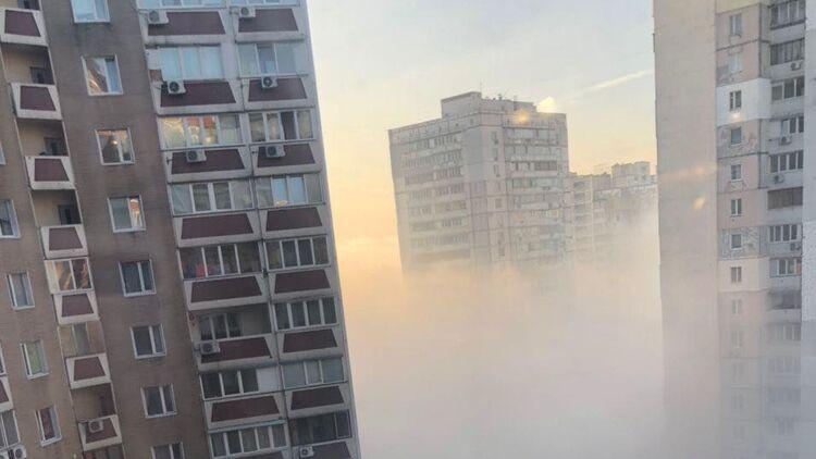 Харьковский массив в Киеве затянуло смогом