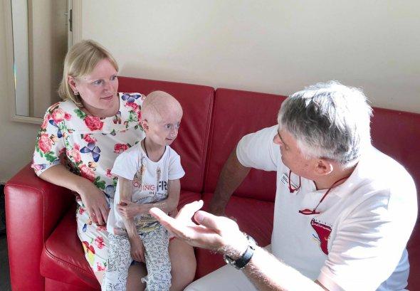 Единственная в Украине девочка с синдромом преждевременного старения успешно перенесла вторую масштабную операцию
