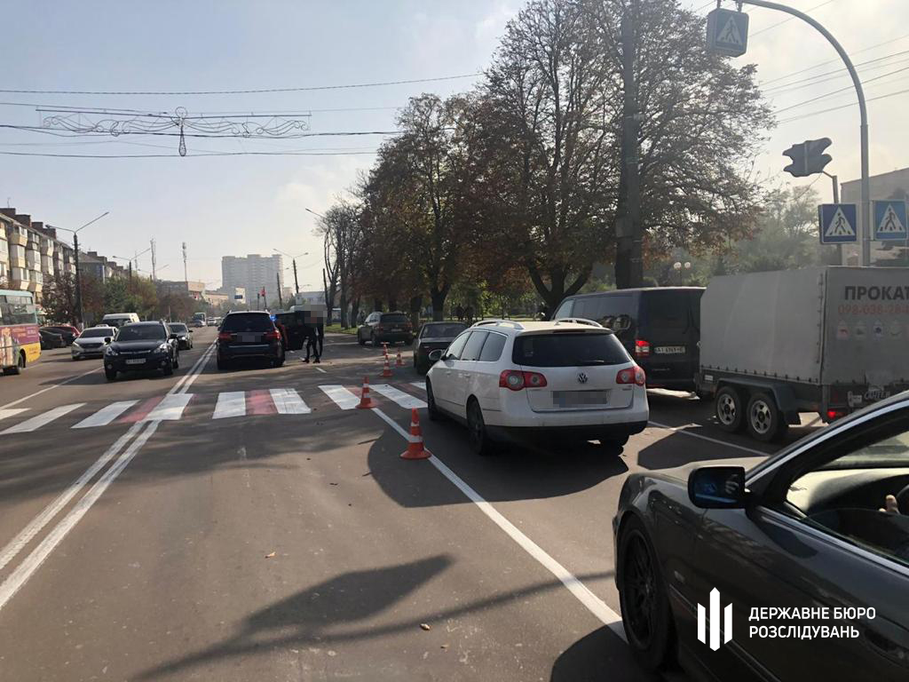В Борисполе сотрудница прокуратуры сбила ребенка на переходе