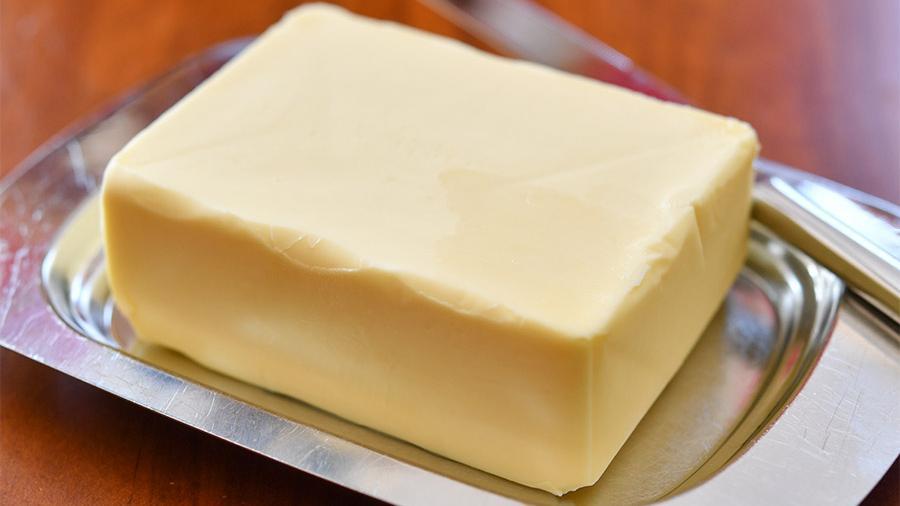 """От масла – только название: АМКУ оштрафовал пятерых производителей """"молочки"""""""