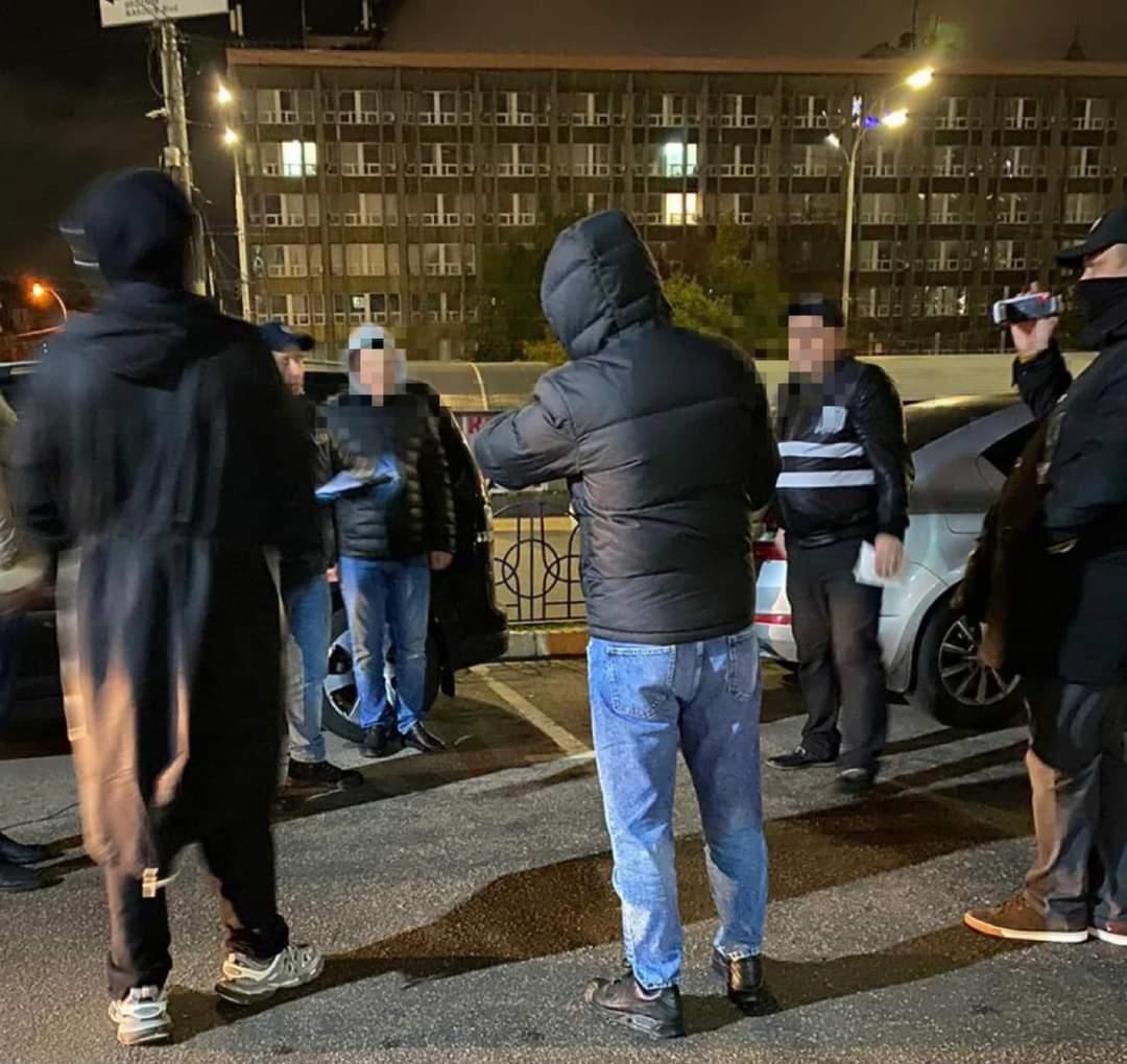 В Киеве задержали полицейских на вымогательстве 250 тысяч