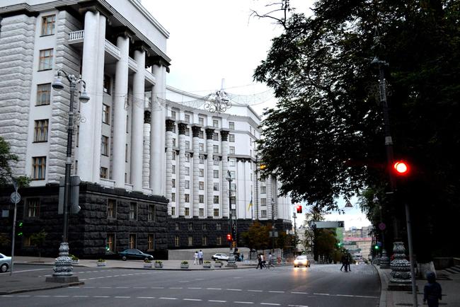 В Киеве ограничат движение на Грушевского из-за митингов под Радой – полиция