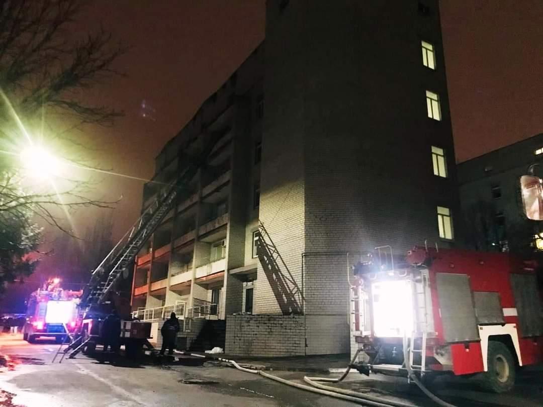 Пожар в инфекционной больнице Запорожья унес жизни 4 людей