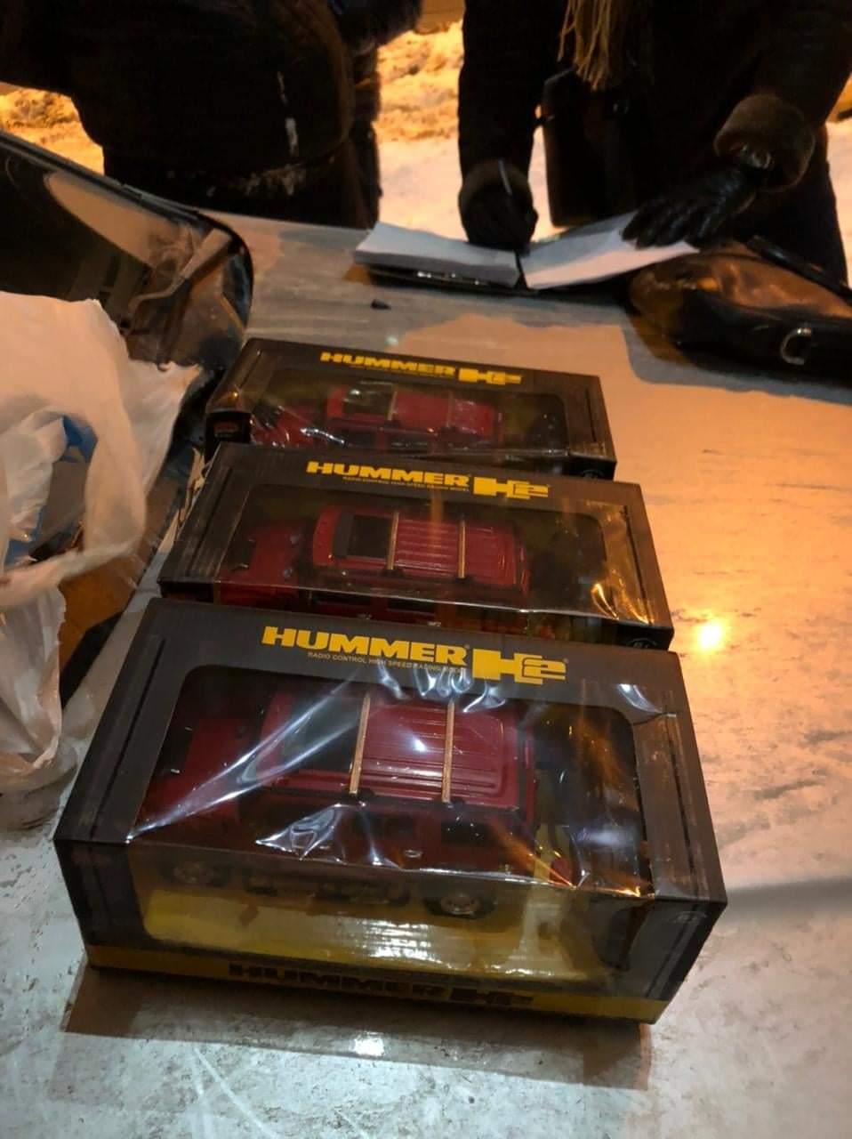 Бывший сотрудник правоохранительных органов поставлял в Киев кокаин в детских машинках – прокуратура