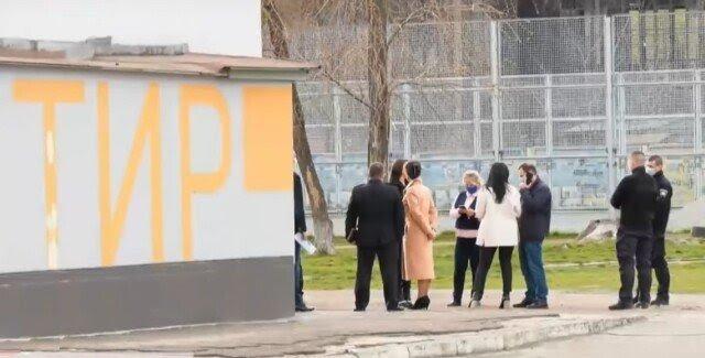 В Черкассах в школьном тире подросток прострелил себе голову