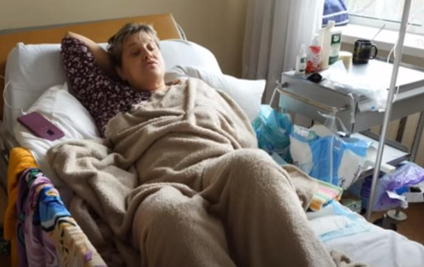 В Киеве женщину парализовало после прививки против коронавируса