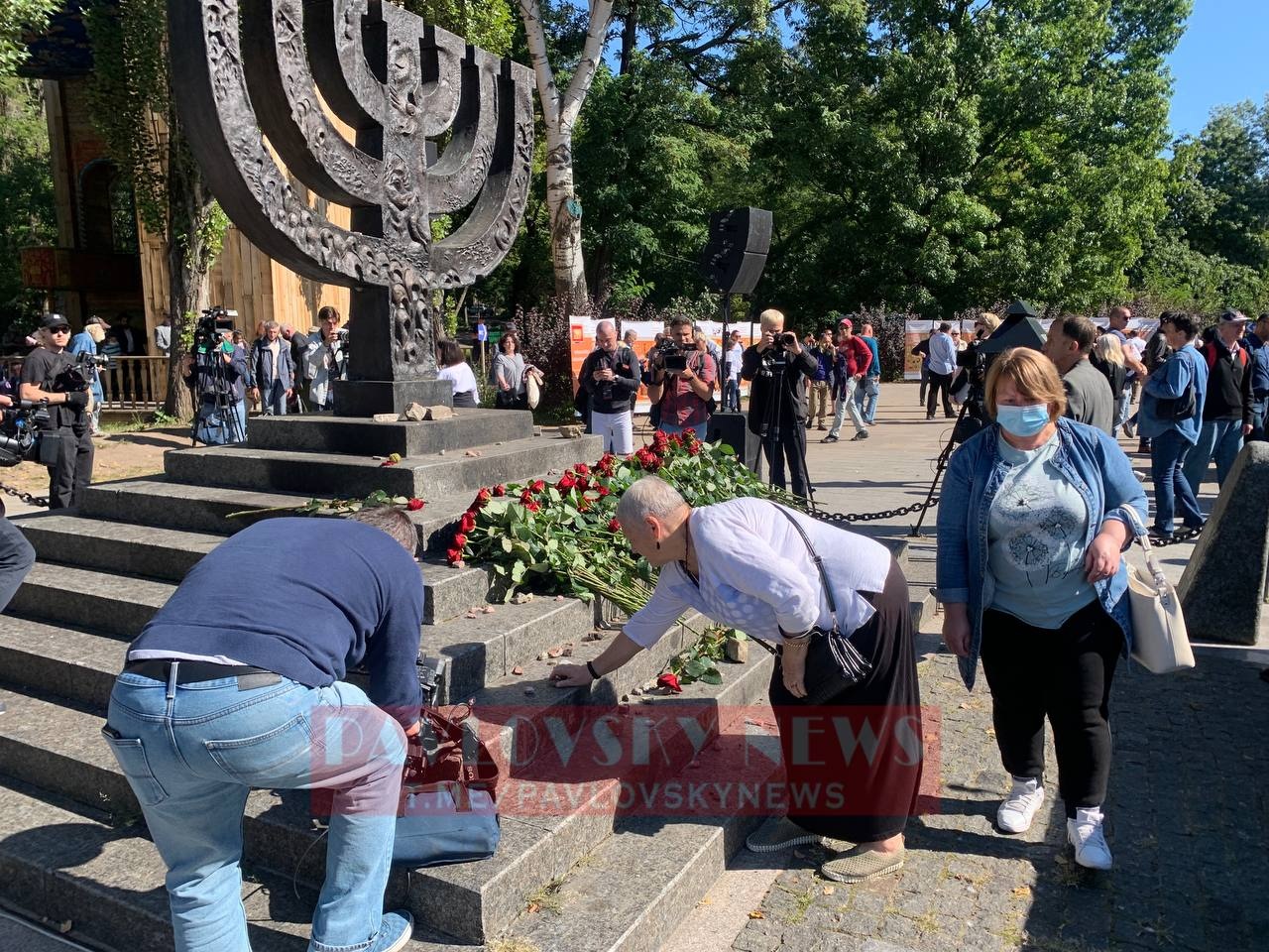 80-ая годовщина трагедии в Бабьем Яру: тысячи людей почтили память погибших